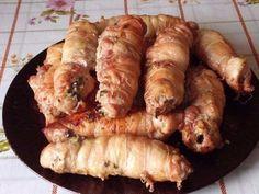 """Ингредиенты: - окорочка куриные - шампиньоны - лук репчатый - сыр """"Гауда"""" - соль - перец Приготовление: 1. Берем куриные окорочка и отделяем мякоть от кости. Порезать соломкой грибы шампиньоны. Мелко нашинковать лук. Грибы сначала тушим под крышкой в собственном соку, когда сок испарится, добавляем растительное масло и лук. 2. Немного обжарить до готовности лука (не зажаривать), в конце добавить тертый сыр """"Гауда"""". Выложить грибной фарш в тарелку и остудить. Куриное филе п..."""