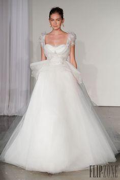 Marchesa - Gelinlik - Sonbahar-Kış 2013-2014 - http://tr.flip-zone.com/fashion/bridal/couture/marchesa