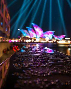 Sidney Australia.  Fotografía cortesía de @svendsania  #LaCuadraU #LasNochesLCU #LasNoches #Australia #Sidney #Momentum #MomentumLCU Sidney Australia, Northern Lights, Photography, Fotografia, Photograph, Fotografie, Photoshoot, Nordic Lights, Aurora Borealis