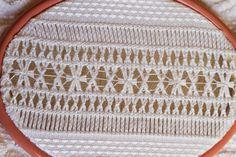 Vó Donazinha: bainha aberta Monogram, Michael Kors, Pattern, Bags, Handmade Crafts, Models, Handbags, Patterns, Dime Bags