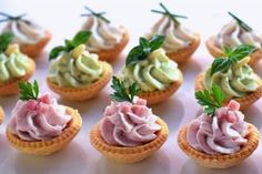 It has never happened to you to organize dinners or to be invited … - All Recipes Gourmet Appetizers, Cold Appetizers, Appetizer Recipes, Party Canapes, Tapas Menu, Silvester Party, Party Buffet, Clean Eating Snacks, Mousse
