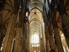 Interior de la Catedral de Colonia. (Alemania) (s.XIII). Gótico centroeuropeo.