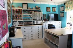 I WANT a scrapbook room!! Heck, I just really want to scrapbook period!