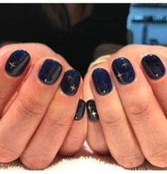 This is the ultimate Ravenclaw nail look.