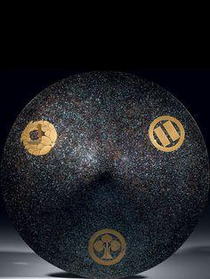 Mother-of-pearl jingasa (Samurai hat) - Ben Janssens Oriental Art Samurai Helmet, Edo Period, Crests, Japanese Kimono, 18th Century, Sculpture, Nihon, Pearls, Helmets