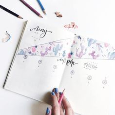 Easy Bullet Journal Ideas To Well Organize & Accelerate Your Ambitious Goals Bullet Journal Designs, Bullet Journal Lettering, Bullet Journal Junkies, Bullet Journal Notebook, Bullet Journal Inspo, Bullet Journal Spread, Bullet Journal Layout, Bullet Journal Ideas Pages, Book Journal