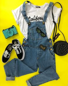 This Outfit Proves Cardigans are Cool Cute Casual Outfits, Retro Outfits, Stylish Outfits, Summer Fashion Outfits, Fashion Fashion, Teenager Outfits, Everyday Outfits, Aesthetic Clothes, Shirts