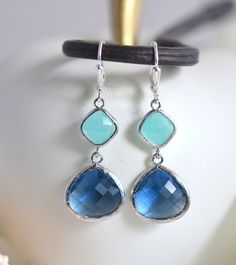 Sapphire Blue and Aqua Dangle Earrings in Silver. door RusticGem