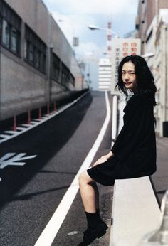 Eri Fukatsu , Fukatsu Eri (深津绘里) People Photography, Girl Photography, Model Photos, Girl Photos, Japan Fashion, Girl Fashion, Takuya Kimura, Vintage Photo Booths, Cute Japanese Girl