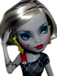 Skull shores Frankie custom by ©custom-Dolls.