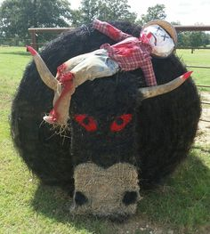 Decoration Hay Bales Mean Bull