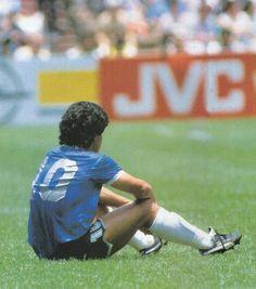 Maradona Retro Pics on