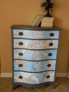 How to make world map decor and art for your interior design Decoupage Dresser, Decoupage Furniture, Upcycled Furniture, Painted Furniture, Diy Furniture, Furniture Design, Scratched Furniture, Old Dressers, Dresser Drawers