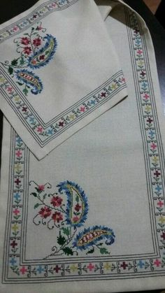 This Pin was discovered by Gül Just Cross Stitch, Cross Stitch Borders, Cross Stitch Designs, Cross Stitching, Cross Stitch Patterns, Hardanger Embroidery, Cross Stitch Embroidery, Embroidery Art, Christmas Embroidery Patterns