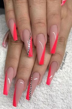 Nails 50 Trendy Long Coffin Nail Art Designs Wedding Dress Trends - Top Wedding Dress Styles for the Acrylic Nails Natural, Summer Acrylic Nails, Best Acrylic Nails, Summer Nails, Acrylic Nail Art, Winter Nails, Natural Nails, Ongles Bling Bling, Bling Nails