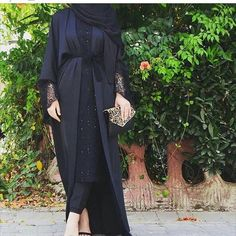 Absolutely loving this black abaya. Especially the lace detail ♡ Islamic Fashion, Muslim Fashion, Modest Fashion, Fashion Outfits, Hijab Dress, Muslim Dress, Hijab Outfit, Hijab Fashion Inspiration, Mode Inspiration