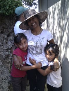 Our U.S. volunteer bonding with local kids :) #nonprofit #charity #corazon
