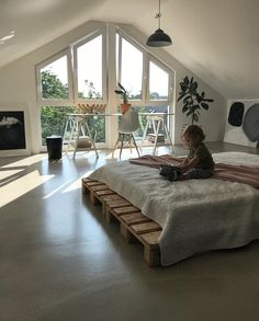 Apartment Bedroom Vintage Guest Rooms Ideas Apartment Bedroo… – Home & Women Bedroom Vintage, Vintage Room, Vintage Style, Retro Vintage, Dream Rooms, Dream Bedroom, Master Bedroom, Master Suite, Bedroom Red