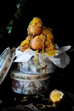 Bolas de berlim recheadas de ovos moles