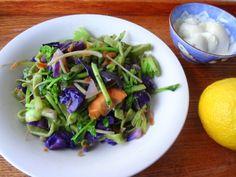 Green lunch menu : matcha pasta on a flower bed, home-made soy yogurt and konatsu pomelo