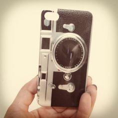 Old camara  Carcasa para iPhone 4/4s.  $7000