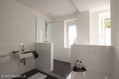 Zonen : Moderne Badezimmer von MINTSTAGING e.K. Agentur für Interior Design & Raumkonzepte