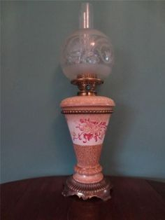 FILM-STAR-ANTIQUE-VICTORIAN-C1895-DOULTON-BURSLEM-OIL-LAMP-GLASS-GLOBE-SHADE