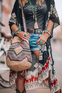Summer style bag boho look Bohemian Style Jewelry, Gypsy Style, Hippie Style, Boho Style, My Style, Look Hippie Chic, Bohemian Look, Mode Hippie, Boho Rock