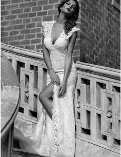 Sexy trouwjurk met split & open rug budget bruidsjurk opmaat
