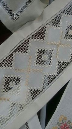 white on white norwegian embroidery ile ilgili görsel sonucu Hardanger Embroidery, Cross Stitch Embroidery, Hand Embroidery, Embroidery Designs, Drawn Thread, Thread Work, Crochet Tablecloth, Bargello, Fabric Manipulation