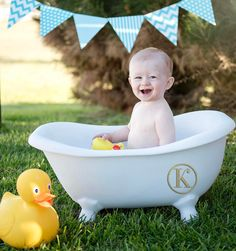 For all of you night owls and for his beautiful mommy who may be up in the middle of the night with this little cutie. He is the happiest almost one year old that I know.  I wish you could have seen his entourage behind me. He is dearly loved by so many.  . . . #bathtub @dennymfg #yellowduck #blue #firstbirthday #fun @posepatch