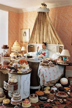 Tim Walker Self Portrait with Cakes, 2008