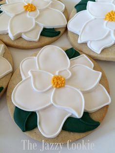 Fancy Cookies, Iced Cookies, Easter Cookies, Royal Icing Cookies, Cake Cookies, Flower Sugar Cookies, Cookie Designs, Cookie Ideas, Cookie Recipes