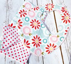 Sweet Floral Baby Bib and Burp Cloth Set by littlestitchstudio1