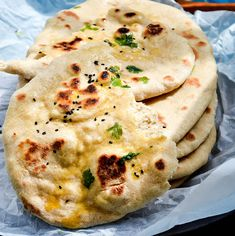 This yeast free instant whole wheat naan is basically a simple, quick and easy flat-bread which is usually served with curry, rice and stew. Making this healthy Wheat Naan aka 'Atta Naan' without oven Recipes With Naan Bread, Snacks With Bread, Quick Flat Bread Recipe, Flat Bread Dough Recipe, Easy Naan Bread Recipe No Yeast, Naan Recipe Video, Roti Recipe Easy, Roti Recipe Indian, Naan Recipe Without Yeast