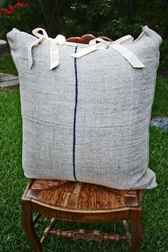 Vintage Feed Sack Pillow: Add effortless charm to your bed with this simple, 'Lazy Martha' project. www.cedarhillfarmhouse.com