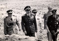 Mohammad Reza Shah and U.S. generals, Iranian desert . Photo by Francis Miller, used for Life Magazine, 1964.