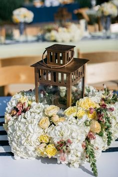 Lantern Love by Flora Asheville   A Spring Asheville Wedding at The NC Arboretum   Planning by Verge Events   Photography by Michelly Lylerly