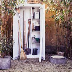 Handige tuinkast voor een opgeruimde tuin | vtwonen