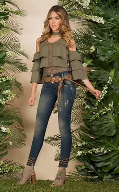 Referencia: 17316 Girl Fashion, Fashion Dresses, Womens Fashion, Fashion Trends, Mode Hijab, Sexy Jeans, Blouse Styles, Chic Outfits, Casual Looks