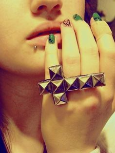 Inverted Cross Ring