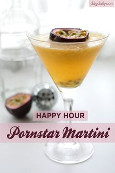 I wonder why they call it this? Lol Pornstar Martini cocktail recipe: Its happy hour at DDG! Summer Cocktails, Cocktail Drinks, Yummy Treats, Yummy Food, Best Cocktail Recipes, Cocktail Making, Party Drinks, Mixed Drinks, Happy Hour