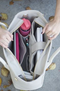 Fashion meets function with this gorgeous Dagne Dover tote School starts in ninety days, so this mea Back To University, Inside My Bag, Dagne Dover, College Bags, What In My Bag, Purse Organization, Closet Organisation, Organisation Ideas, Work Bags