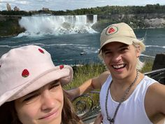 """Dylan Sprouse on Instagram: """"Swipe for the FULL NIAGARA FALLS EXPERIENCE"""" Dylan Sprouse, Barbara Palvin, Armani Beauty, Altered Images, Most Beautiful Women, Nice Tops, Niagara Falls, Cute Couples, Cowboy Hats"""