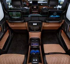 The new Mercedes-Maybach G 650 Landaulet. Mercedes-Maybach G 650 Landaulet (W The first-class rear seats from the S-Class significantly enhance the seating comfort and spaciousness. Mercedes Benz Maybach, Mercedes Benz Classe G, Mercedes G Wagen, Mercedes Benz G Class, Mercedes Truck, Mercedes G Wagon Interior, Mopar, Dream Cars, Mercedez Benz