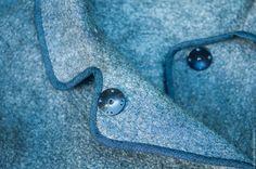 Купить или заказать Валяное пальто из комплекта 'Покровитель стихий' в интернет-магазине на Ярмарке Мастеров. Элегантное пальто из комплекта 'Покровитель стихий', который входит в мою новую коллекцию 'Загадки Майя' - простое по форме, почти классика, но с интересной отделкой кантом из джинсовой ткани по краю, сдержанного, сложного серого цвета с аппликаций из войлока на спине в тон канту. Лицевая сторона войлока декорирована смесью волокон льна, крапивы, конопли, виско...