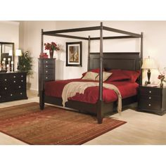 French Quarters King Canopy Bed | HOM Furniture