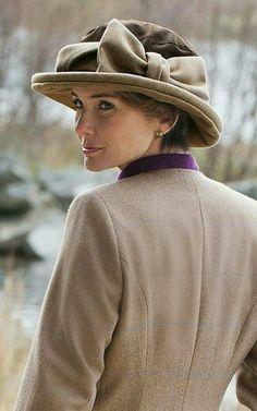ec2627fde0b House of Bruar Ladies Tweed and Wax Bow Hat