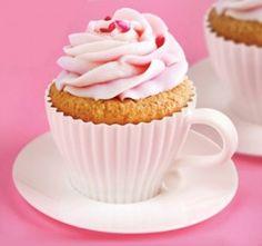 Maak van elke tea-party of high-tea een geweldig feest met dit 'Tea for Two' cupcake bakvorm setje van 2 kopjes & schoteltjes.