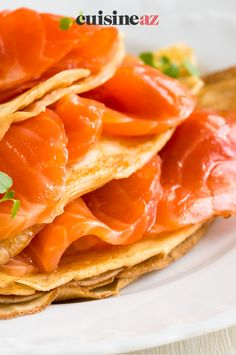 Les crêpes minutes au saumon fumé sont un plat rapide à cuisiner pour la Chandeleur. #recette#cuisine#saumon #saumonfume #plat #chandeleur #crepes #crepe Ethnic Recipes, Food, Gourmet, Cooking Recipes, Pancake Day, Healthy Meals, Smoked Salmon, Essen, Meals